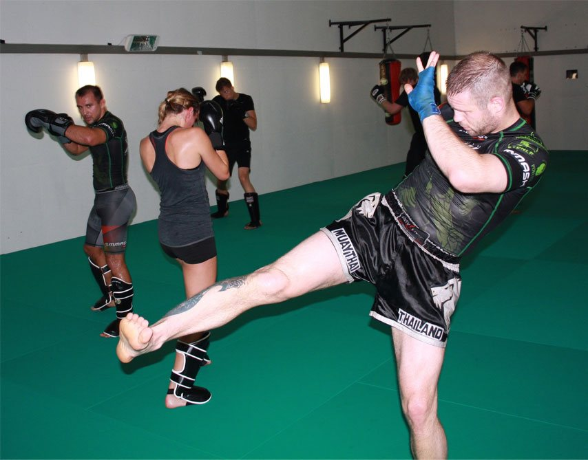 Kickbox-Training Schattenboxen