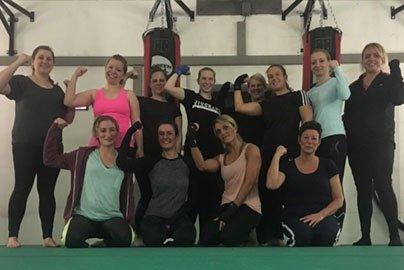 Kampfsport-Schule-Essen-funktionelle-Fitness-Frauen-5